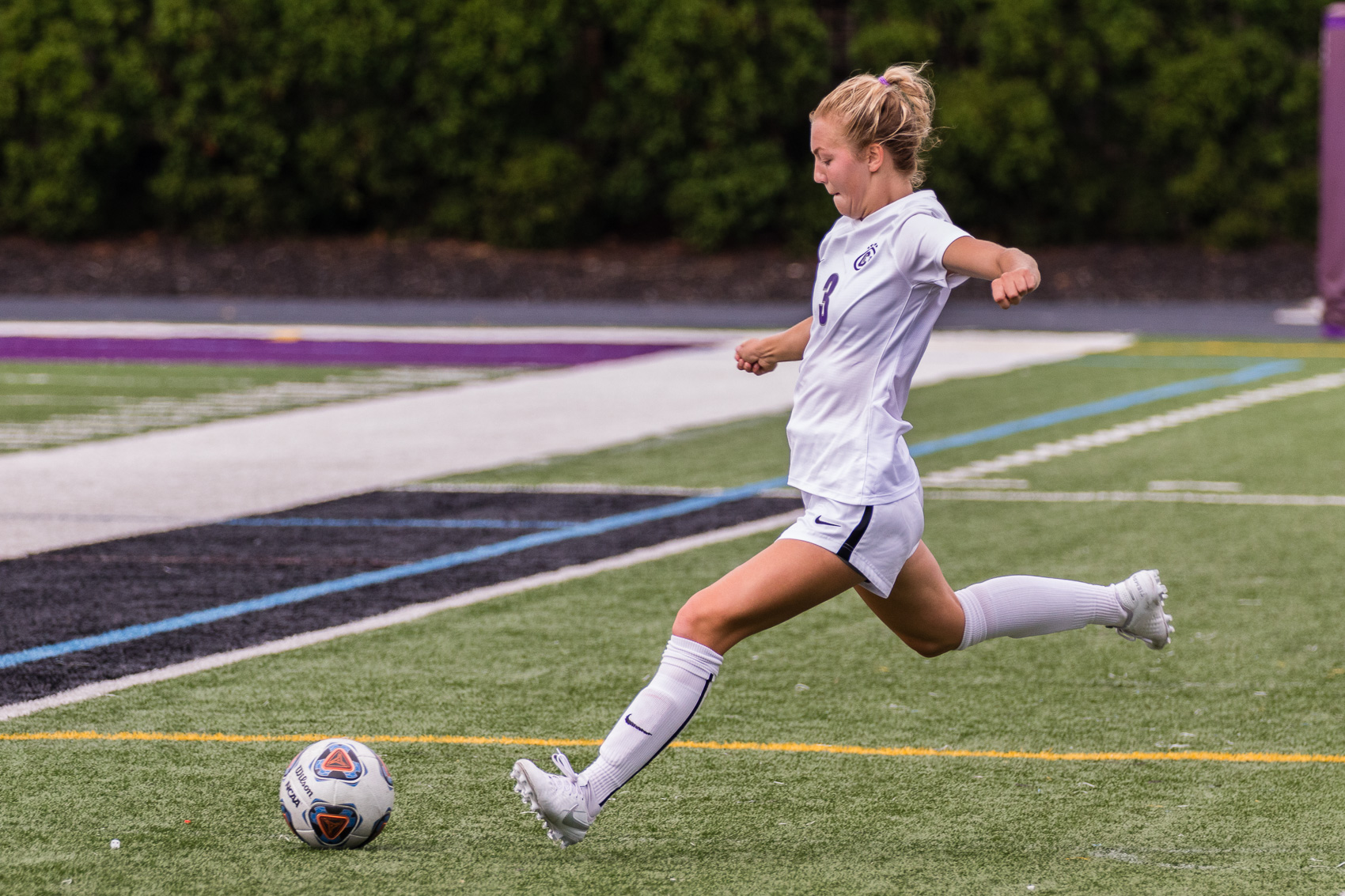 Leaving Division I: Why women's soccer players chose to leave Division I schools for Division III