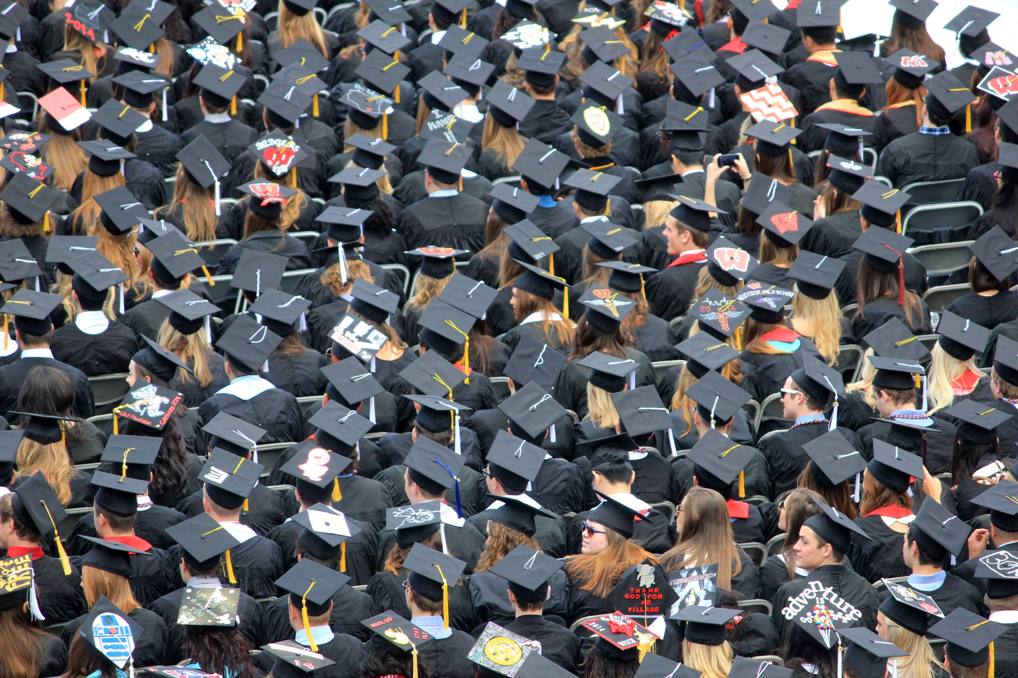 Everything you need to know to look your best at graduation